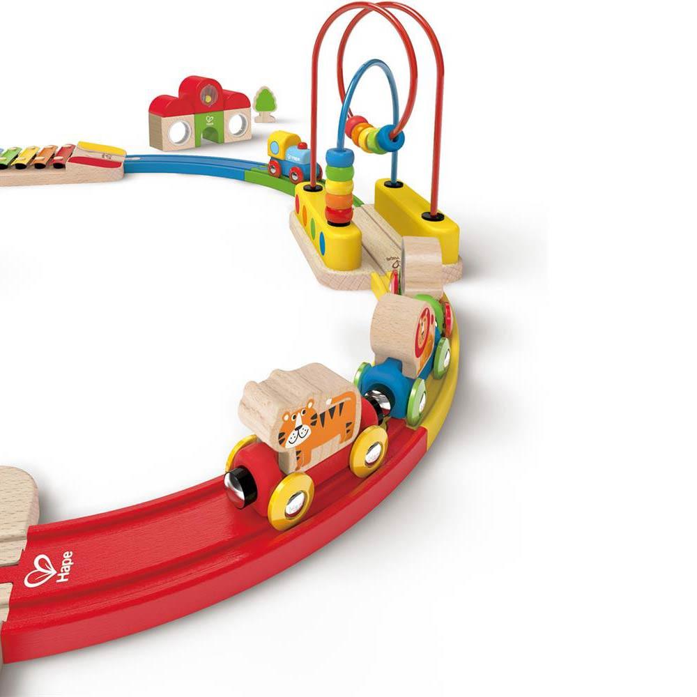 Trenino in legno hape di hape un bel regalo per bambini - Trenino di legno ikea ...